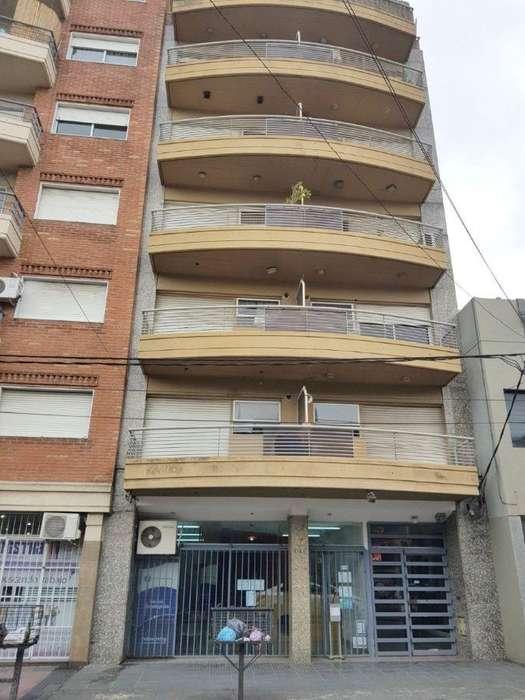 Departamento en alquiler de 2 dormitorios en Barrio Parque Gral San Martín