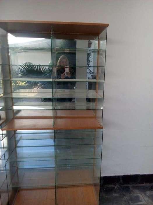 Vitrina espejada con melanina y estantes de vidrio
