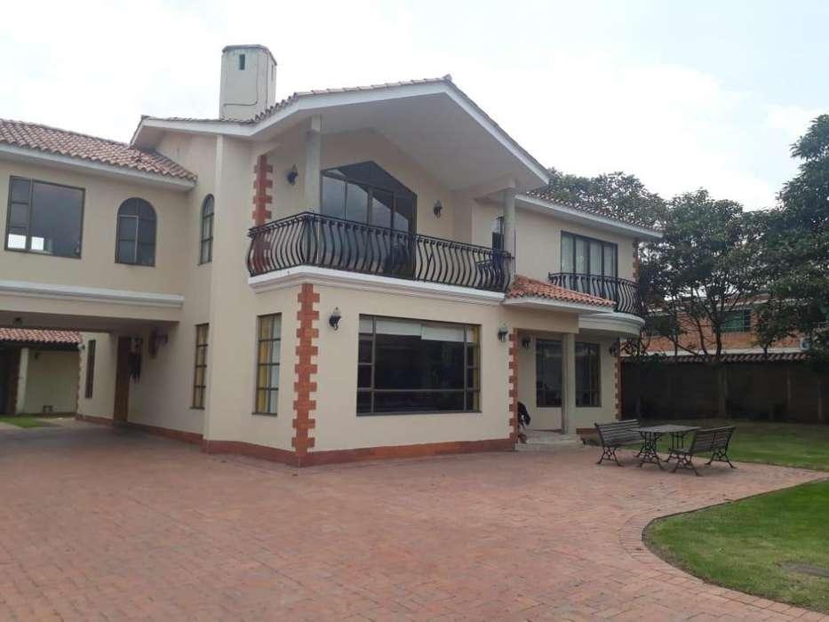Hermosa Casa quinta de dos niveles para Venta, ubicada en muy buen sector de Quintas de la Concordia en Cajica 4554805