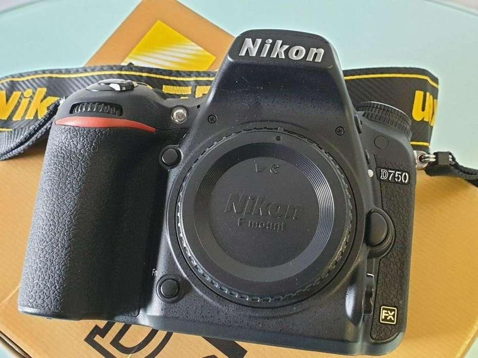 Cámara réflex digital NIkon D750