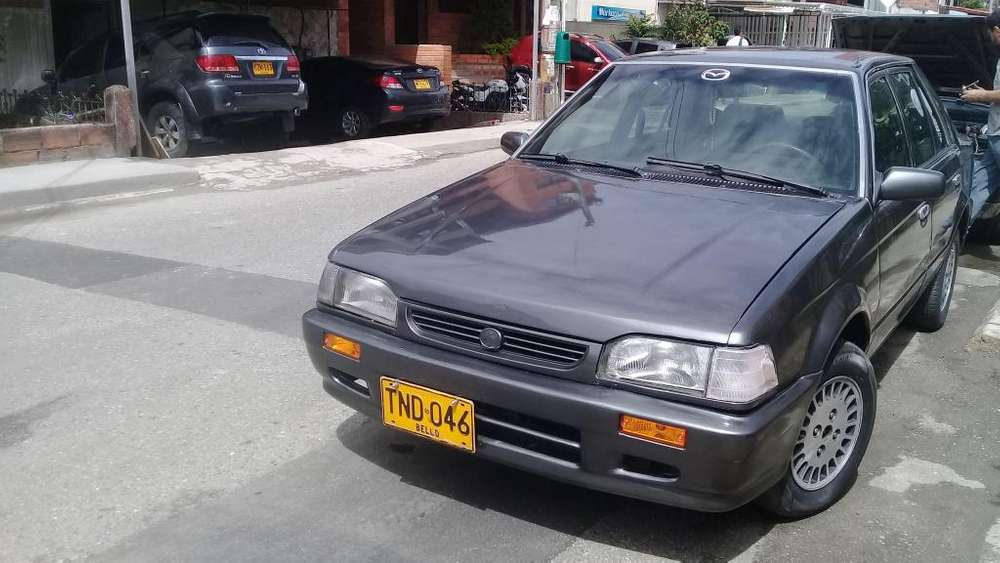Mazda 323 1995 - 10000000 km