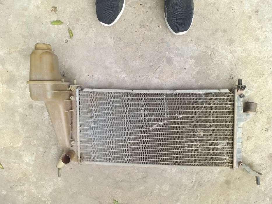 Radiador Fun 06 C/ Aire Detalle en Foto