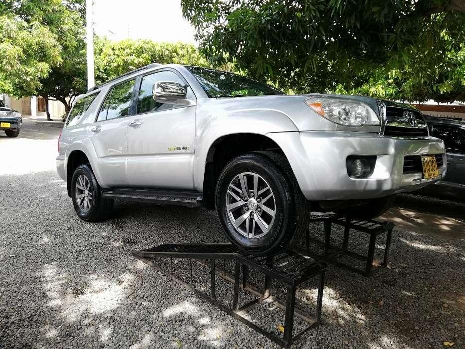 Toyota 4Runner 2007 - 105000 km