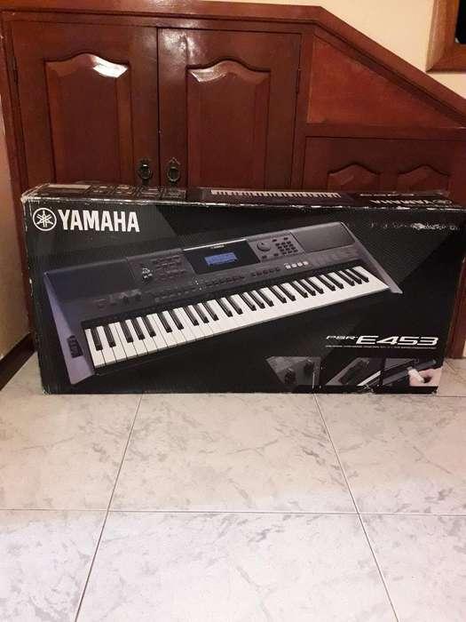 Vendo Teclado Yamaha E 453 61 Teclas