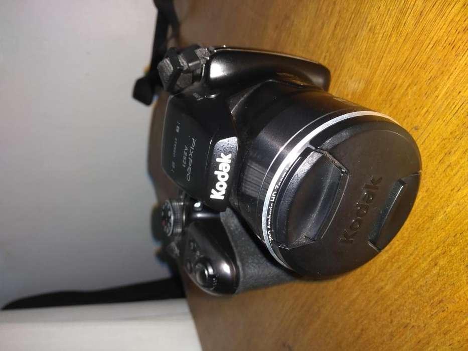 Camara de fotos SemiReflex Kodak AZ521 16,4 Mpx COMO NUEVA