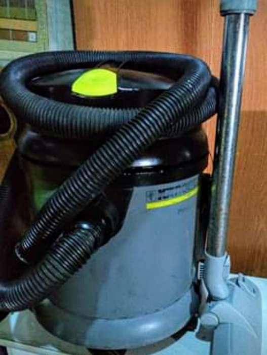 Karcher Profesional 27/1 Polvo Agua Usad