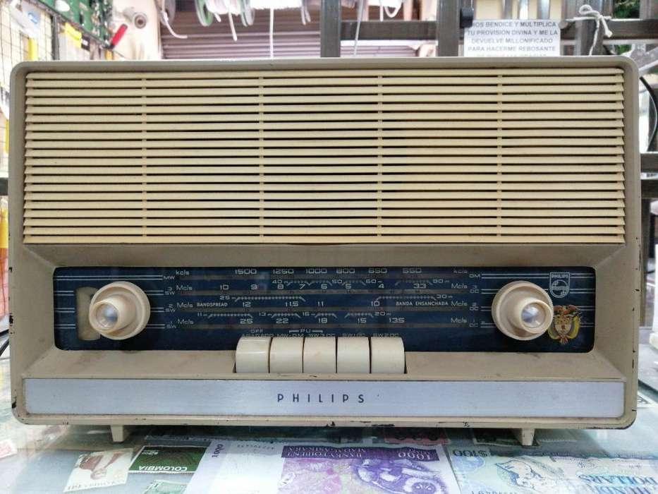 Antiguo Radio Philips de Tubos