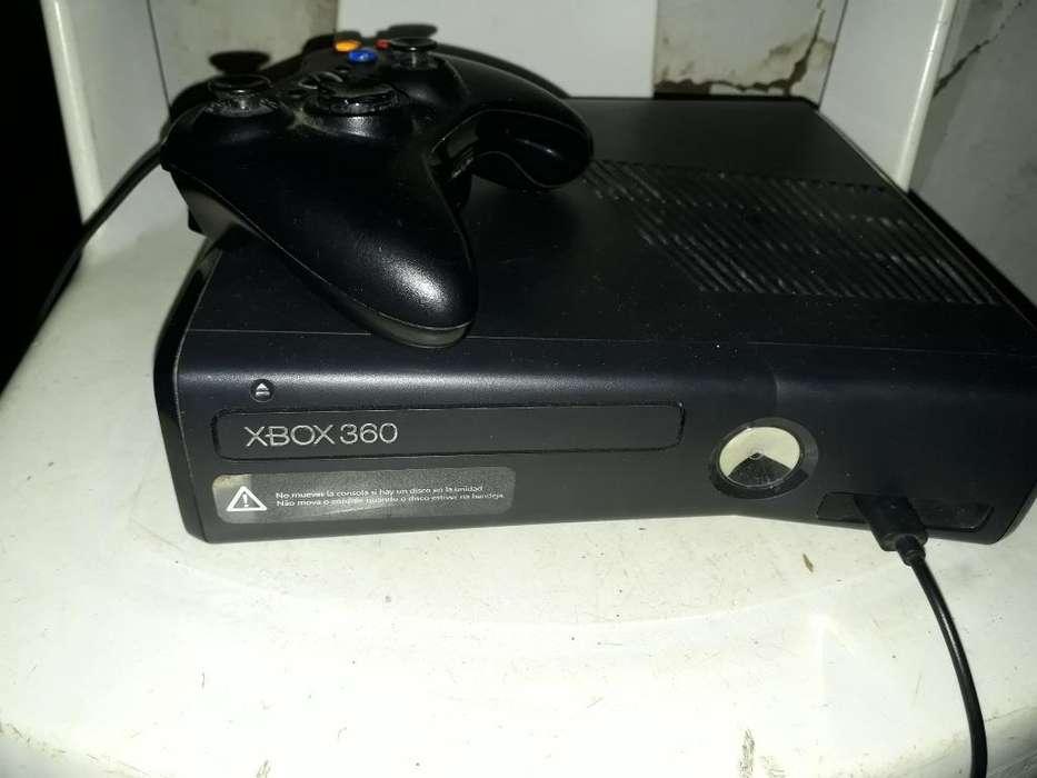 Xbox 360 con Una Tera Bueno de Todo