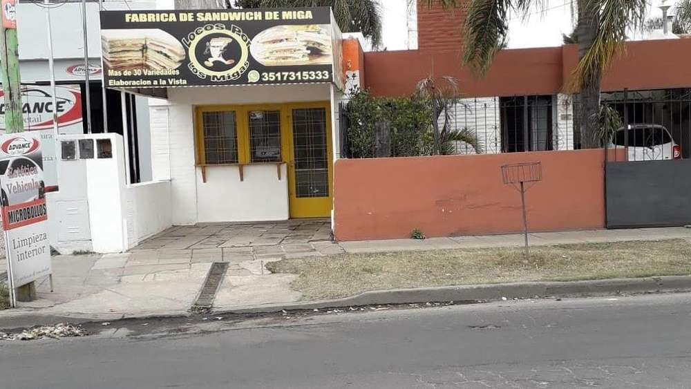 DUEÑO ALQUILA LOCAL COMERCIAL, BUEN PRECIO Y EXCELENTE UBICACION ZONA DINOSAURIO ROD DEL BUSTO.