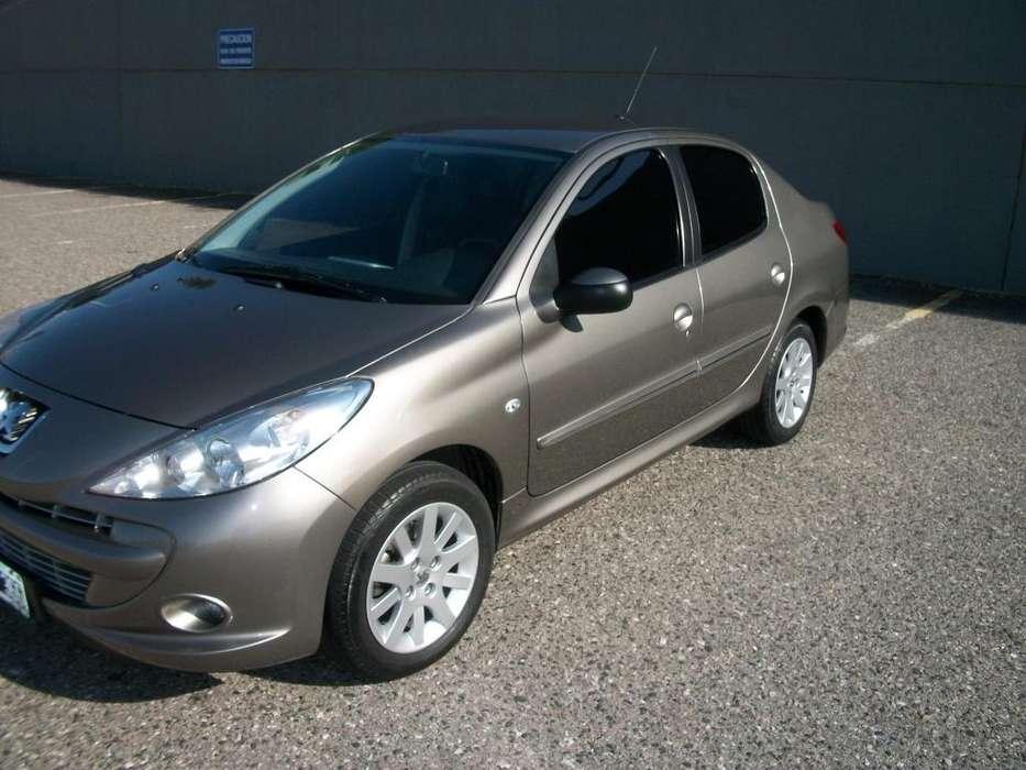 Peugeot 207 Compact 2012 - 107000 km