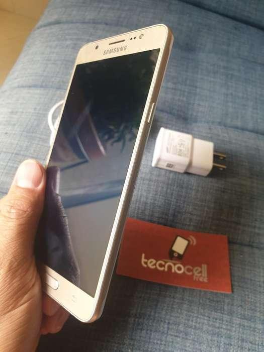 Samsung J7 Metal con Cargador Y Garantia