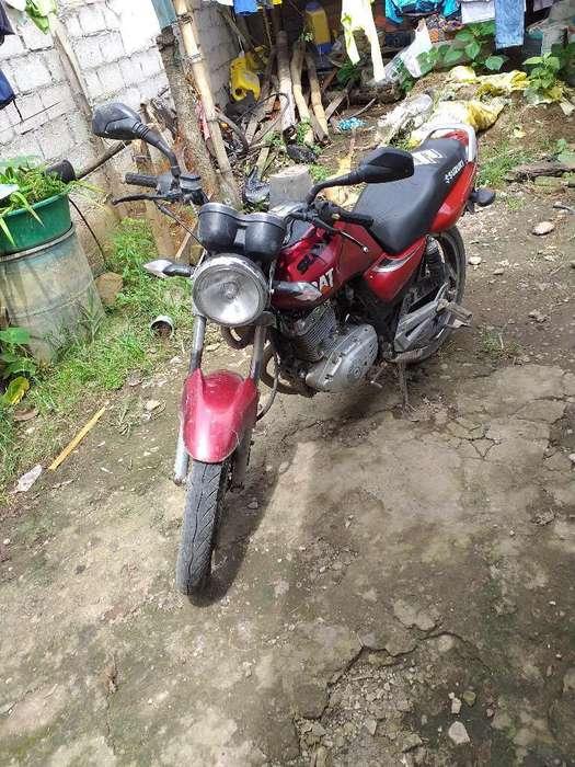 Vendo Moto Suzuki en 125 Año 2012 en Bu