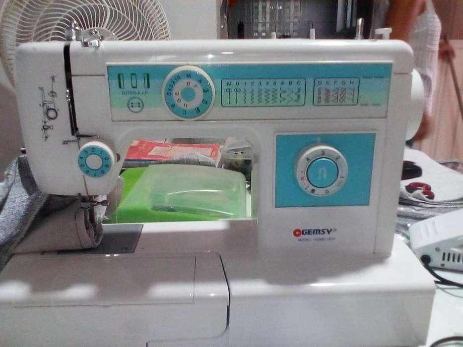 Maquina de coser GEMSY