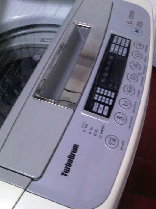 Lavadora LG de 25 lb