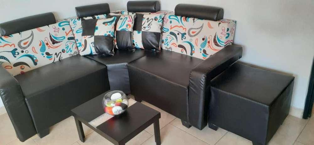 Sala L mini con mesa de centro 2 meses de uso