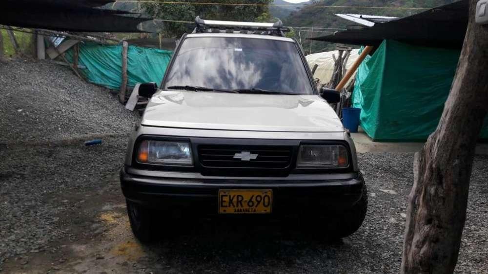 Chevrolet Vitara 2005 - 150000 km