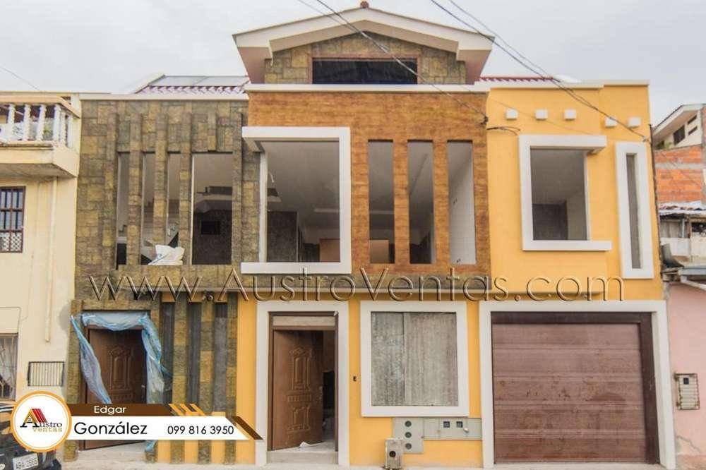 Casa en venta con 2 departamentos en el Centro