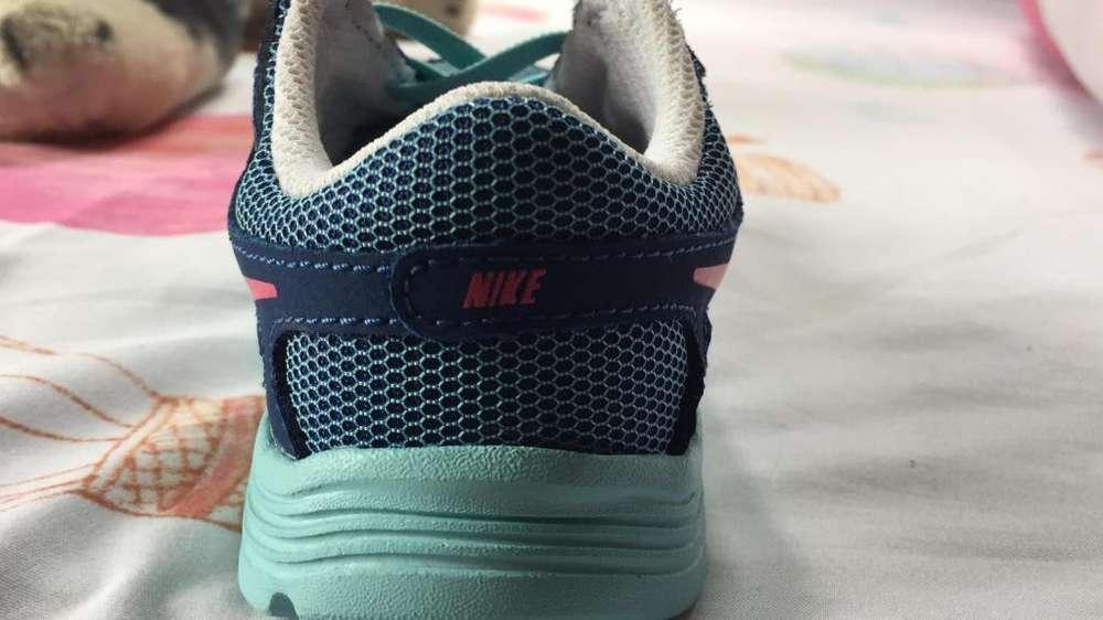 Zapatillas Nike revolucin 2
