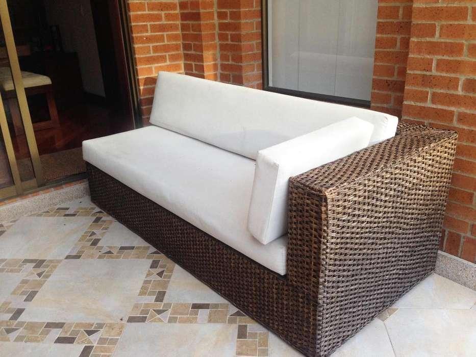 <strong>sofa</strong> EN MIMBRE MESA AUXILIAR