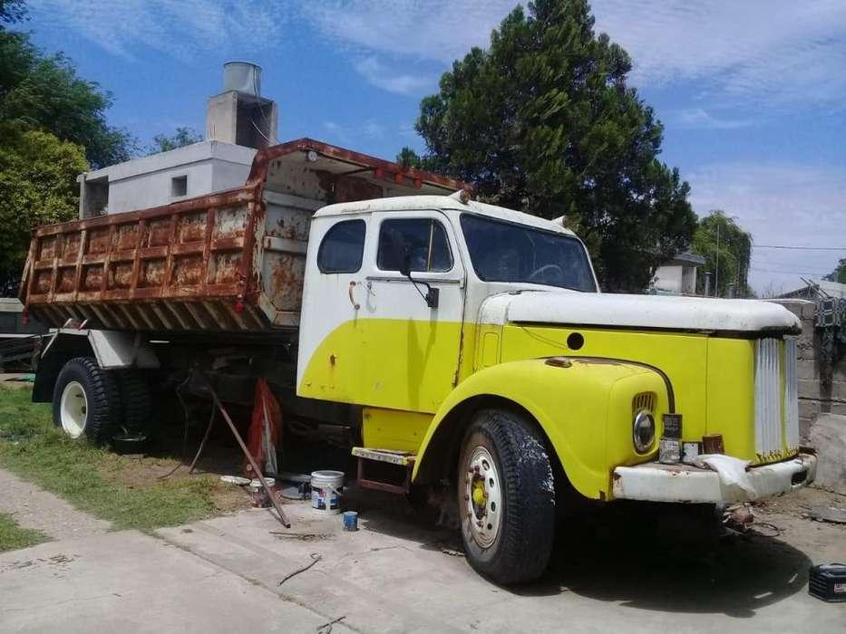 camion scania vabis l76 mod 65 vendo urgente! Rio Cuarto