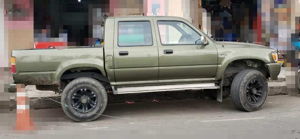 Toyota Hilux 1998 - 250000 km