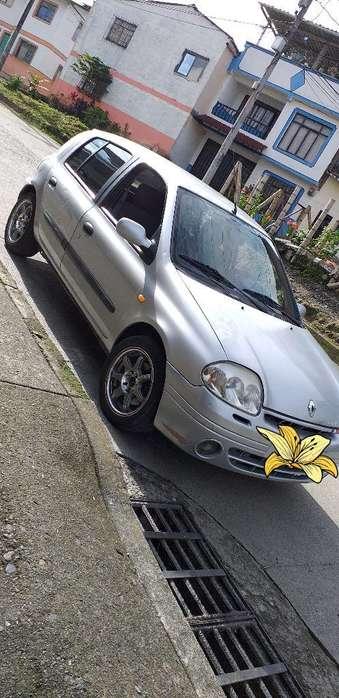 Renault Clio  2003 - 189870 km