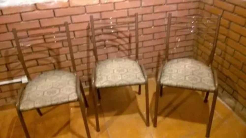 Tres <strong>silla</strong>s Caño Reforzadas