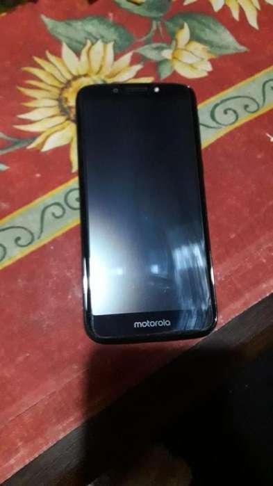 Vendo Motorola G5 Play.