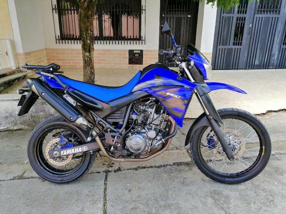 Xt 660 Azul