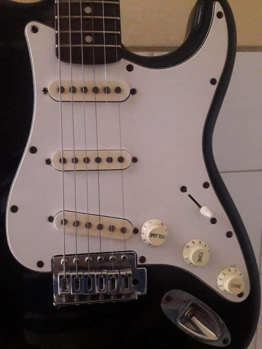 bajo Electrico Peavey Y Guitarra Freeman