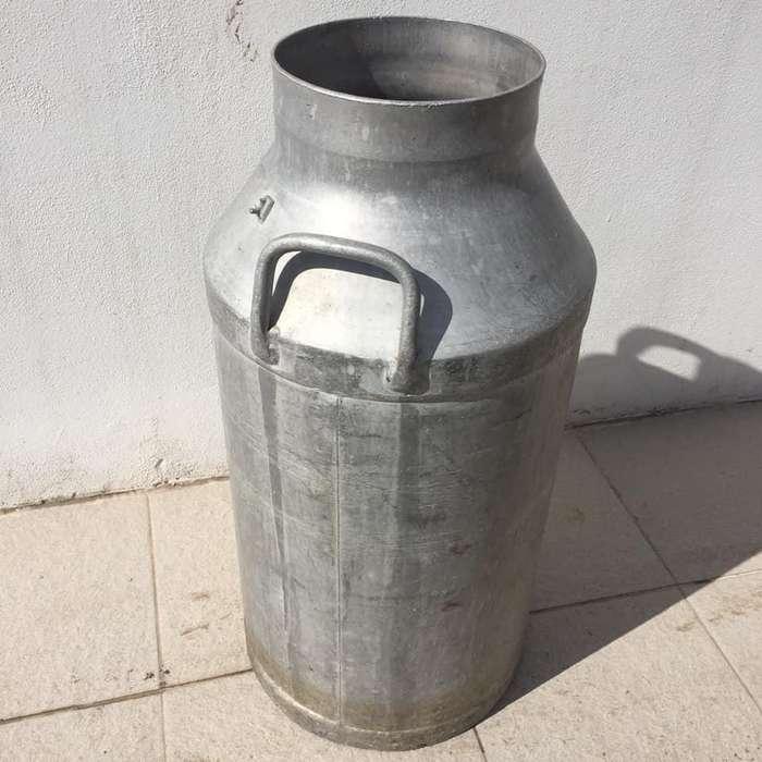 Vendo Tacho de Leche (aluminio)