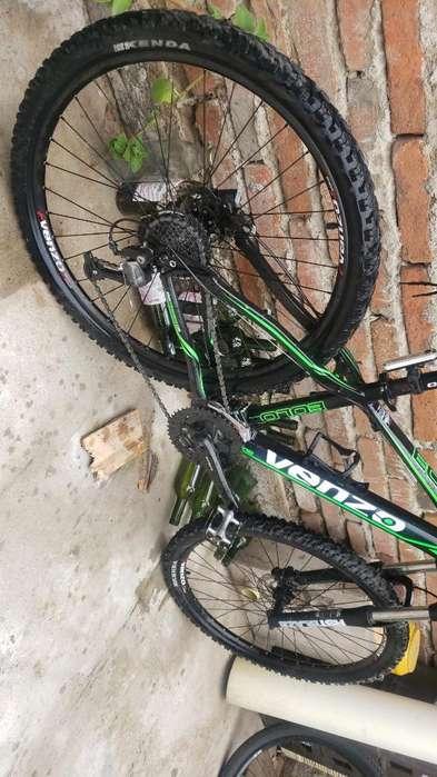 Vendo Dos Hermosas Bicicletas Venzo