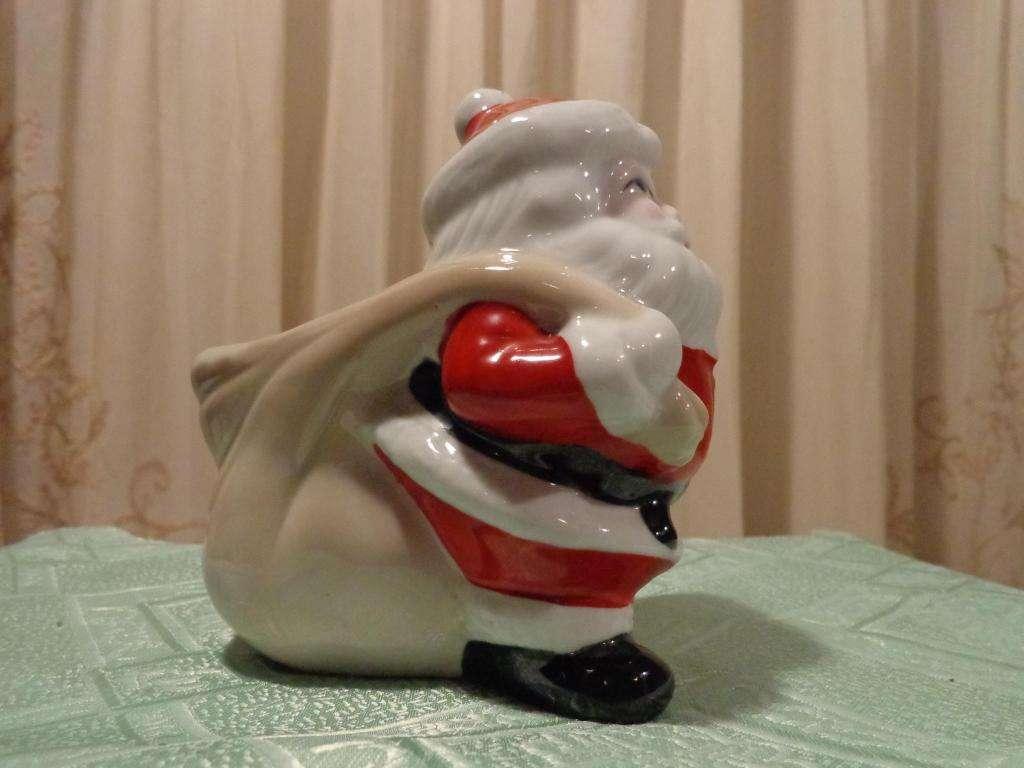 Fotos Simpaticas De Papa Noel.Simpatico Papa Noel Con Bolsa Al Hombro Para Regalitos