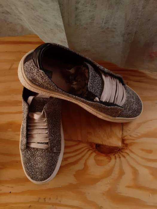 Zapatos Estradivarius