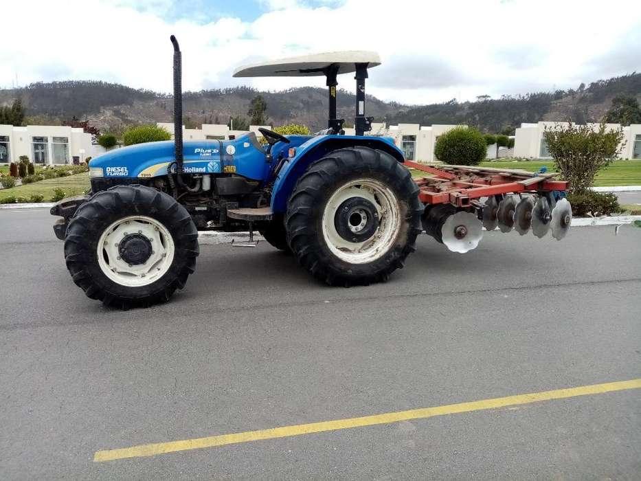 Se Vende Un Tractor Agrícola New Holland