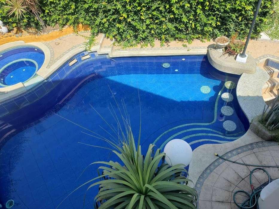 Alquilo Casa con Piscina Puerto Azul