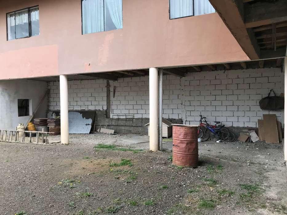 Terreno en Venta, Sector EMOV Capulispamba, Incluye Casa