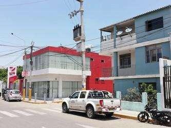 VENTA DE CASA EN ZONA COMERCIAL - CHICLAYO
