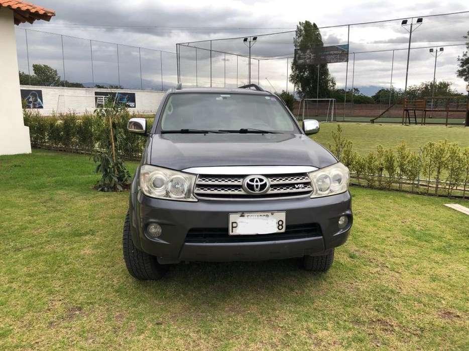 Toyota Fortuner 2009 - 165000 km