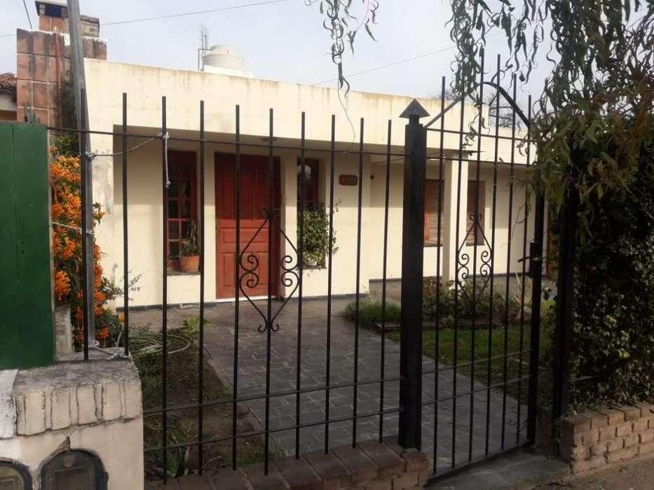 Barrio Matienzo. Excelente propiedad, casa principal con otra secundaria. Oportunidad