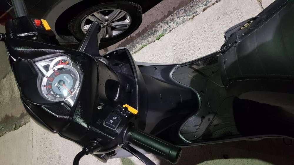 Vendo zanella 150 cc ao 2018 con 9100 km
