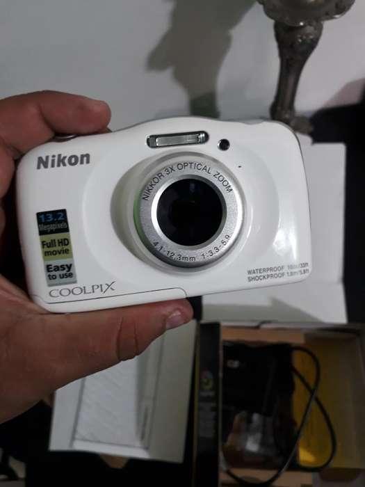 Camara Sumergible Nikon Coolpix