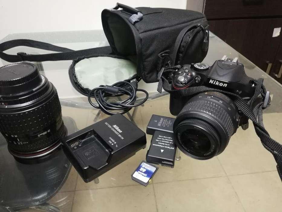 Cámara Nikon D5200 con Accesorios