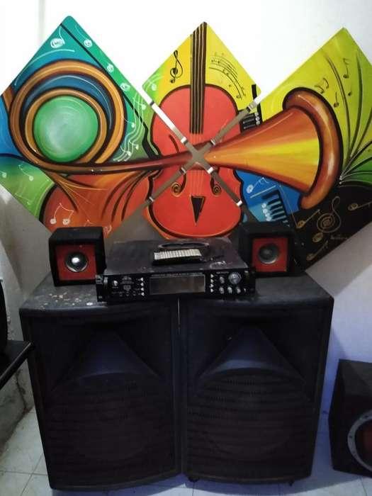 Amplificador con 2 Parlantes