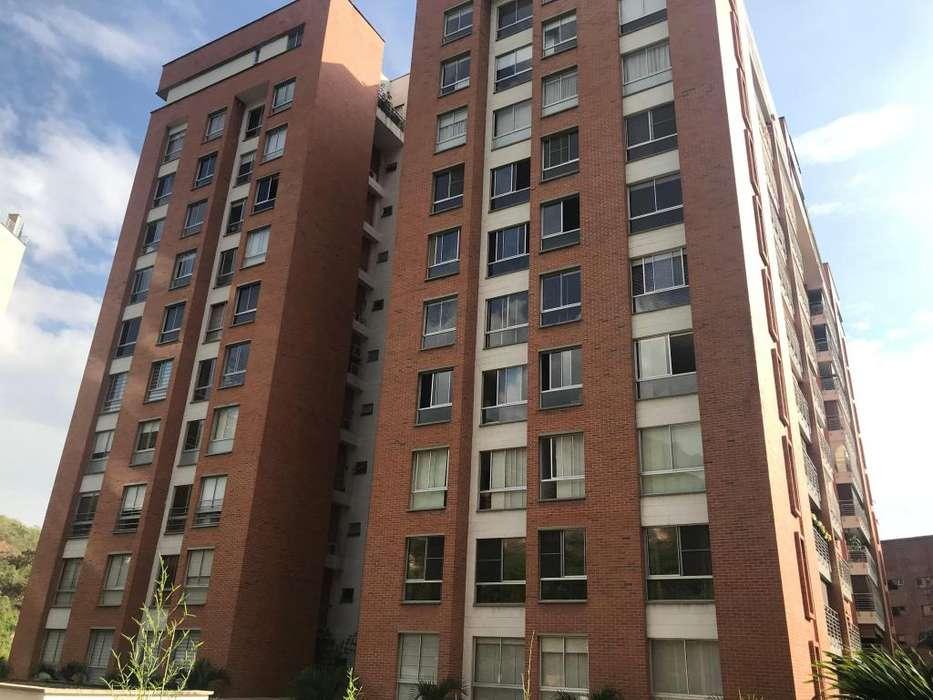 Apartamento de lujo Amoblado PORTAL DE LA QUEBRADA