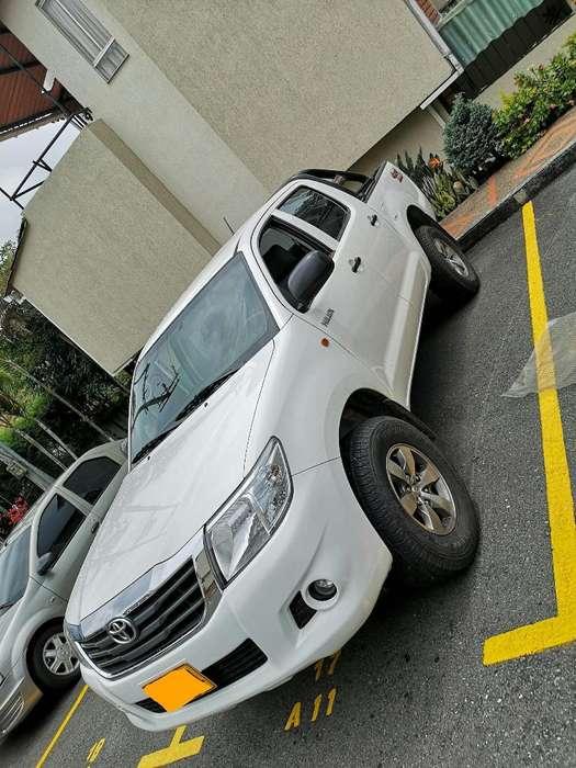 Toyota Hilux 2013 - 65400 km