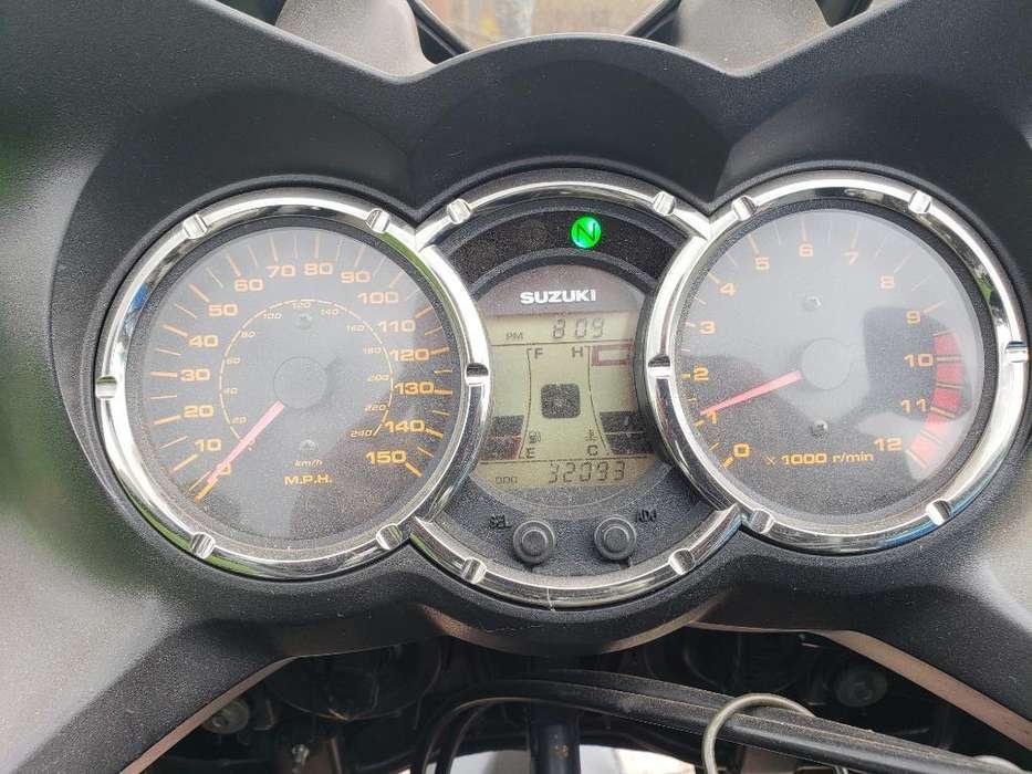 Suzuki Vstron 2006