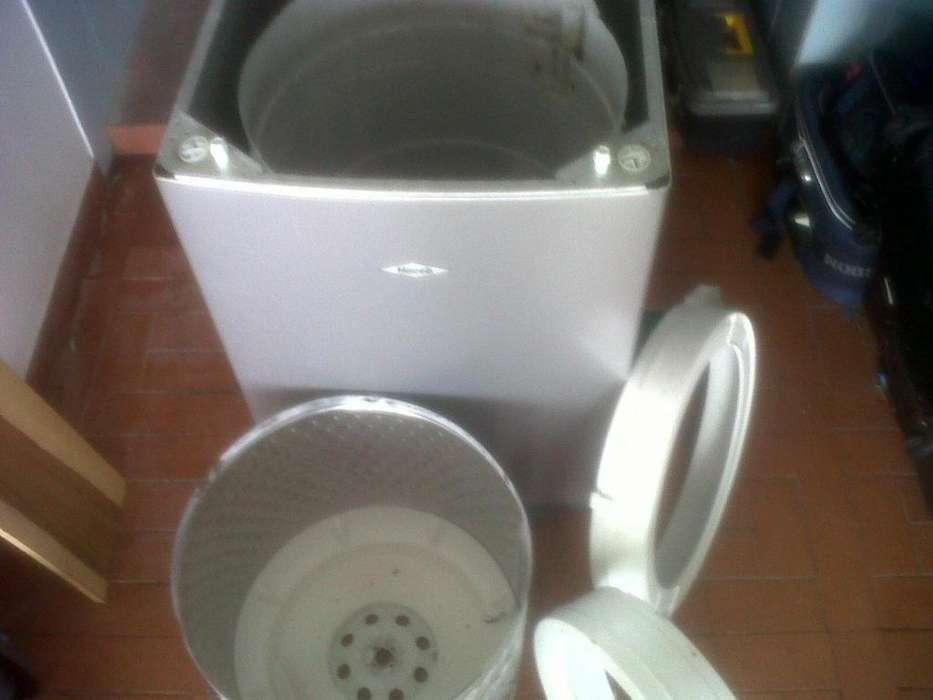 Lavadora dañada compro para sacar repuestos