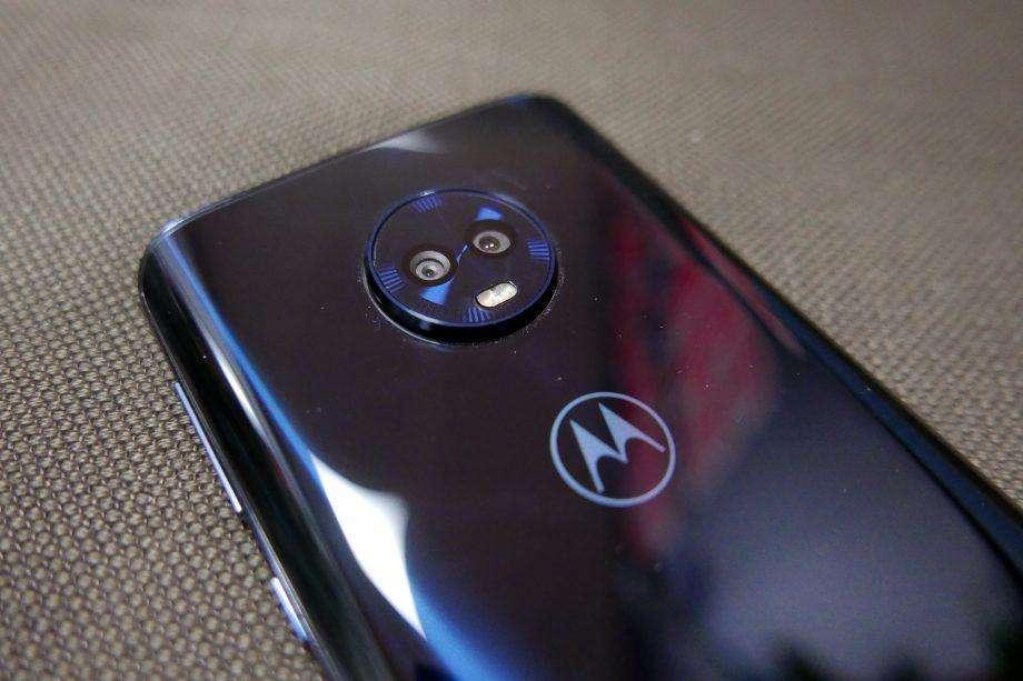 Moto G6 Plus x Xiaomi