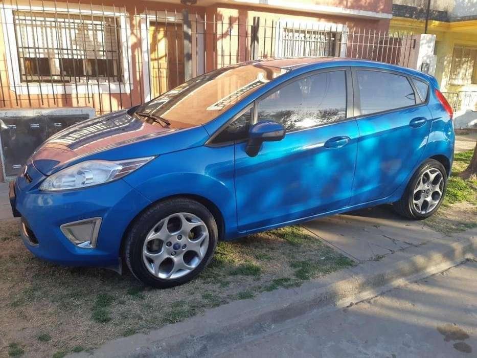 Ford Fiesta  2013 - 120000 km